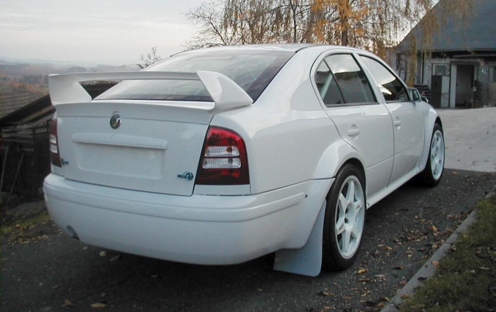 Vozy_WRC04